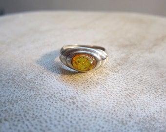 Elegant Baltic amber ring