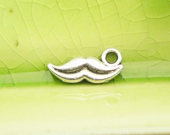 5 silver mustache smile lips charms pendants Cheshire cat Alice in wonderland wicked grin face 14mm x 6mm - C0732-5