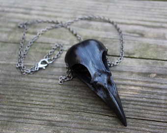 magpie skull necklace - black on gunmetal