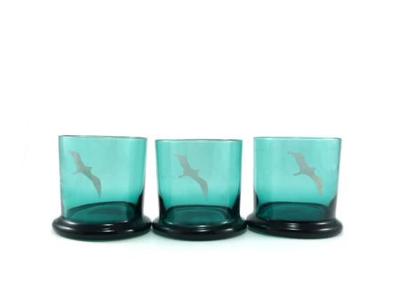 Teal drinking glasses with seagull - vintage tumblers set of 3