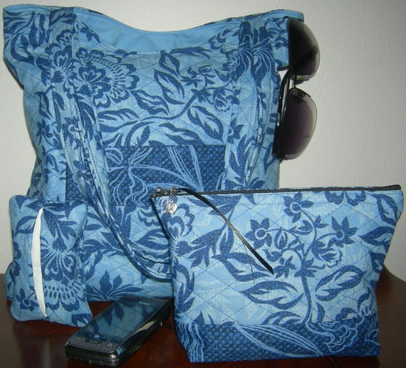 Blue Floral Organizer Tote with Four Inner Pockets including Matching Zippered Accessories Bag and Pocket Tissue Holder