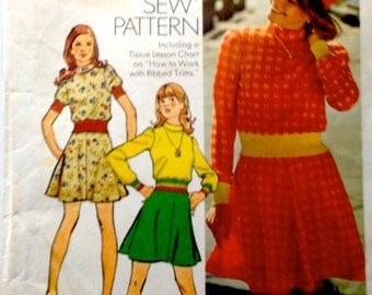 70s Simplicity 5842 Flared Mini Dress with Knit Trim Size 14 Bust 36