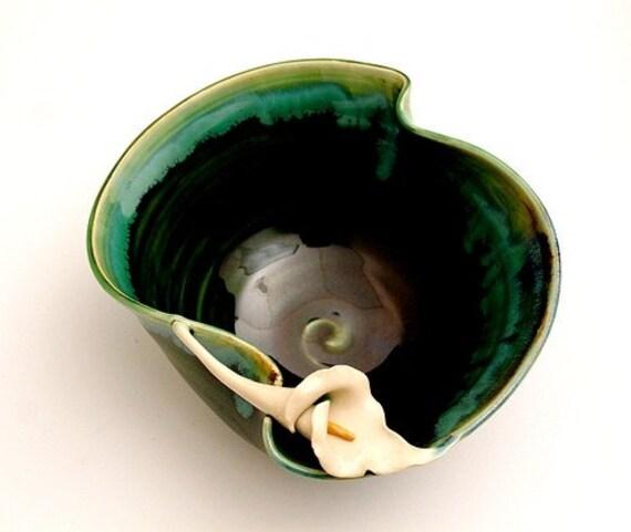 Calla Lily Handmade Stoneware Studio Pottery Bowl  Emerald Green