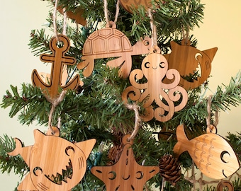 Kids Wooden Ocean Christmas Ornaments Nautical Sea Life Starfish Octopus Anchor Turtle Dolphin Shark Clam (Set of 2)