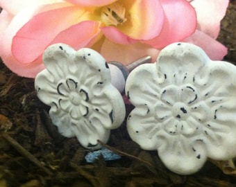 Drawer Pulls/ Drawer Knobs/ Furniture Decor/ Furniture Fixtures/ Home and Garden Decor/ Set of 4 Drawer Pulls