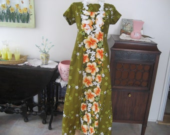 Ui Maikai Hawaiian Dress