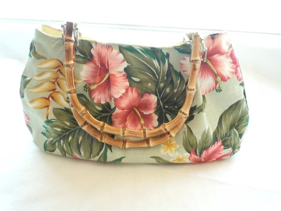Tropical Hibiscus Flowers Clutch