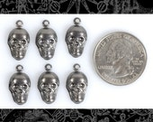 6 Gunmetal Black Plated Brass Skull Charms  * G-C07