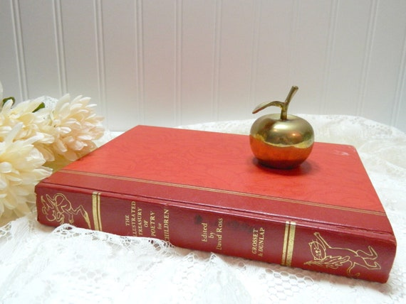 Vintage The Illustrated Treasury of Poetry for Children Book 1973