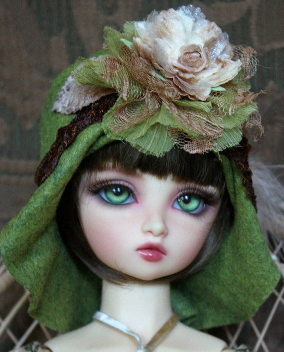 Gorgeous Green Felt Flapper Style Hat For Ball Jointed Dolls