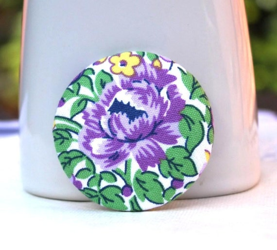 Fabric button brooch. Purple flower. Green leaves. 48mm 1 7/8 inch. Large badge. Pinback button. Covered button.