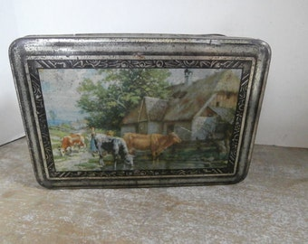 1930s French Toleware Biscuit Tin