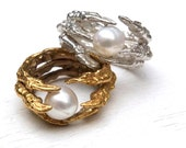 Pearl of London Pigeon Claw Ring