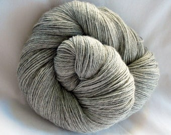 Undyed Superfine Alpaca Yarn (PA111)