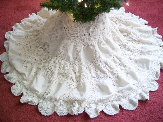 Vintage christmas tree skirt hand crocheted s