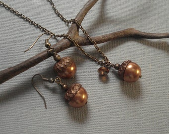 Acorn Copper Vintaj  Brass Necklace and  Earring Set  Fall Autumn Nature inspired