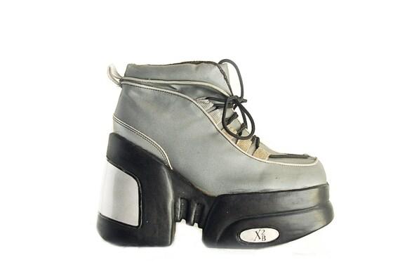 90's Cyber Mega Platform Wedge Sneaker Boot // 9