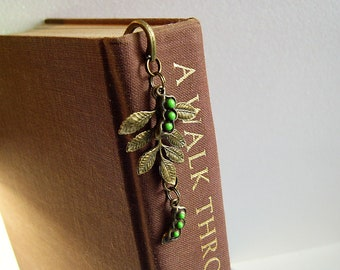Pea pods and leaves bookmark