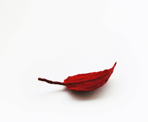 felted leaf pin brooch RED DROP /made to order