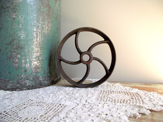 Pulley Wheel Industrial Decor Antique Rustic Farmhouse Decor Cast Iron Flat Belt Pulley Wheel