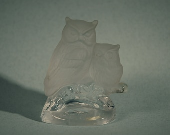 Vintage Glass Owl Paperweight/Figurine