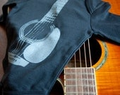 Acoustic Guitar Organic Cotton Long Sleeved Onesie (3-6 months)