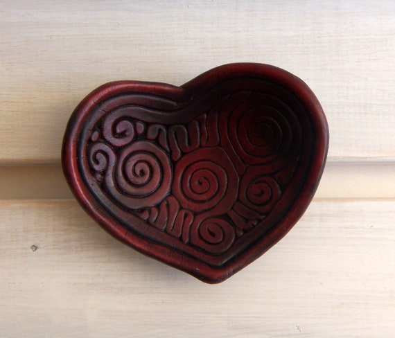 Burgundy heart shaped ring holder dish multipurpose for Heart shaped jewelry dish