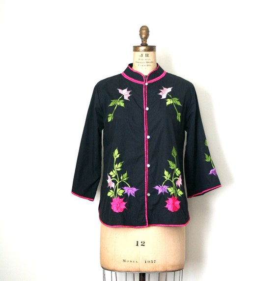 vintage tunic blouse / jacket CARO of HONOULU mandarin collar EMBROIDERED 1960's hippie
