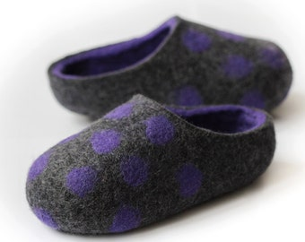 Hand made Felted Wool Slippers for Everyone. Dark Gray / Violet inside with Violet Dots.  Size EU 39 ready to ship!