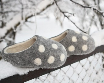 Hand Made  Felted Slippers in Gray  with Natural White inside and Polka Dots decor. Size EU 39; 40 ready to ship.