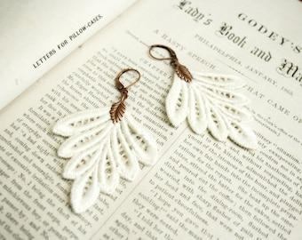 lace earrings -PHILLISE- ivory - ecru - blush