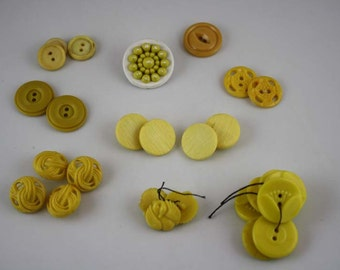 Vintage 1930-1940 Yellow Plastic Buttons