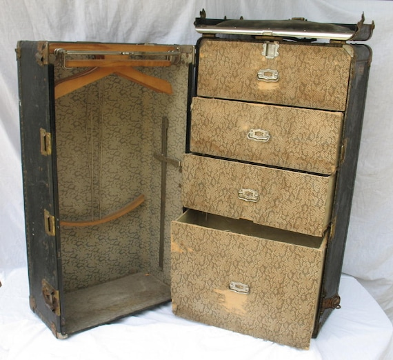 On Hold Please do not Purchase-----------------Antique Steamer Trunk Hartmann Gibraltarized Cushion Top Trunk