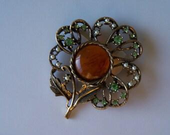 Vintage 1950s Brooch with ornate details