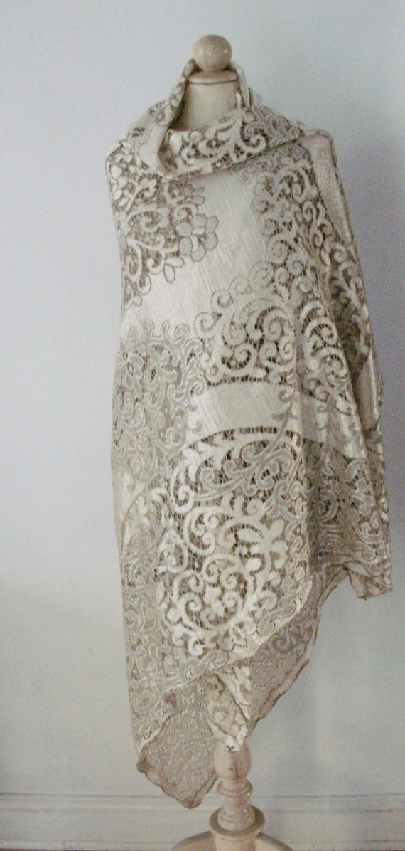 VINTAGE LACE TABLECLOTH, bedcover or supply fabric