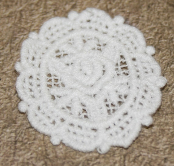 Set of 5- Cotton Lace Antique Style Doily Applique