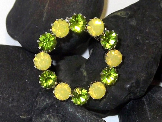 Lovely Wreath Style Vintage Rhinestone Brooch in Olivine and Yellow Opal