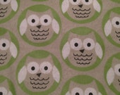 Owls Happy in Sea Green Circles Flannel 1/4 yard