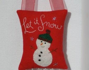 Cheery snowman door hanger with beaded fringe