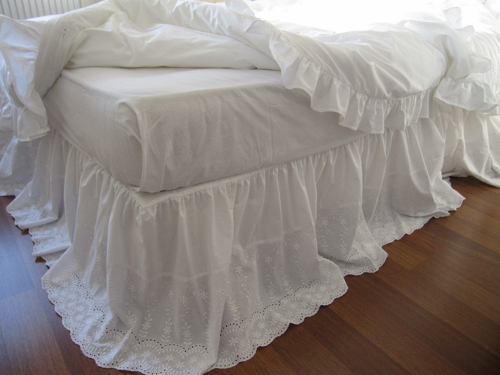 White Lace Bed Skirt King