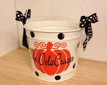 Halloween bucket: Personalized halloween trick or treat 10 quart metal bucket, white with pumpkin & name great for passing out candy