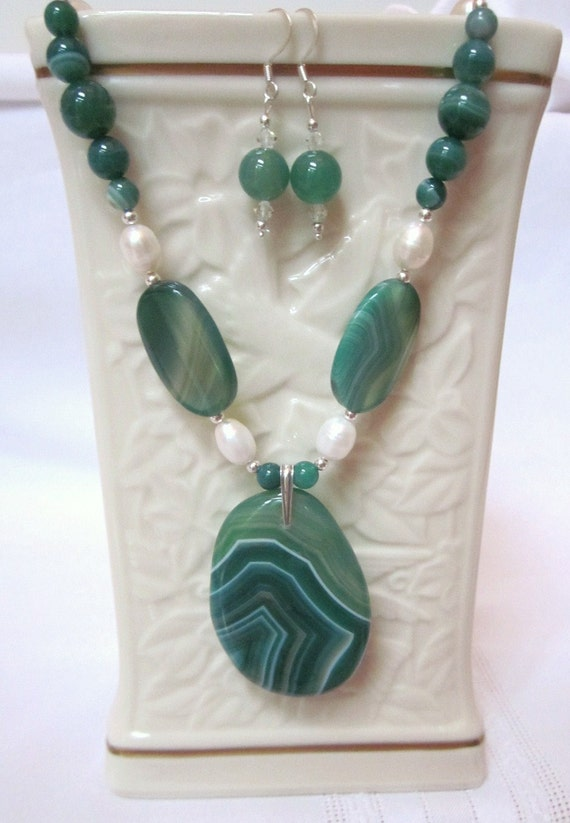 Beautiful Necklace of Gorgeous Green Striped Agate, Large White Fresh Water Pearls and a Stunning Oval Free Form Pendant
