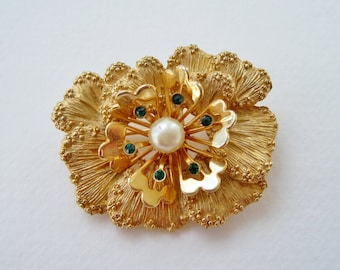 Vintage Signed Sarah Coventry Splendor Gold Tone Faux Pearl Emerald Green Glass Rhinestone Flower Mid Century Brooch Pin