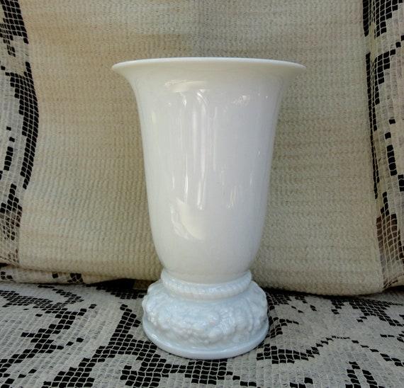 Classic Rose MARIA WHITE Pattern Vintage Rosenthal Vase of Fine China
