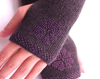 SALE: Very soft and cozy pure merino wool beaded fingerless gloves/wrist warmers in dark grey with shiny purple glass beads - READY to ship