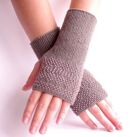 Cozy grey wool/polyamide blend beaded fingerless gloves/wrist warmers with blush pink heart glass beads - READY to ship