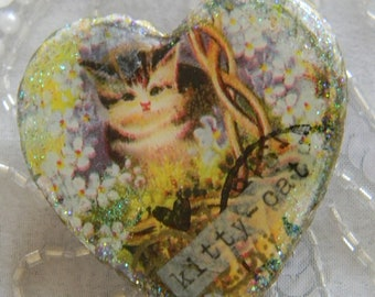 Kitty Cat Decoupage Brooch