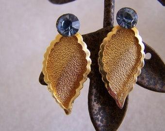 "Vintage 70's ""SCREW BACK EARRINGS"" Leaf Design London Blue Topaz Synthetic Gemstone Gold Toned"