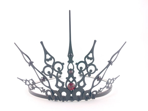 Red Gothique 2.0 - Black Crown Black Tiara Filigree Tiara Gothic Tiara Evil Queen Costume Queen of Hearts Crown Red Queen Tiara