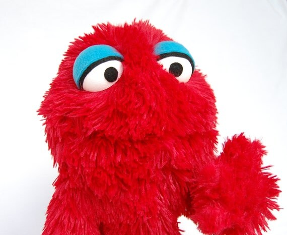 Muppet Monster Hand Puppet- Red Furry Plush Toy